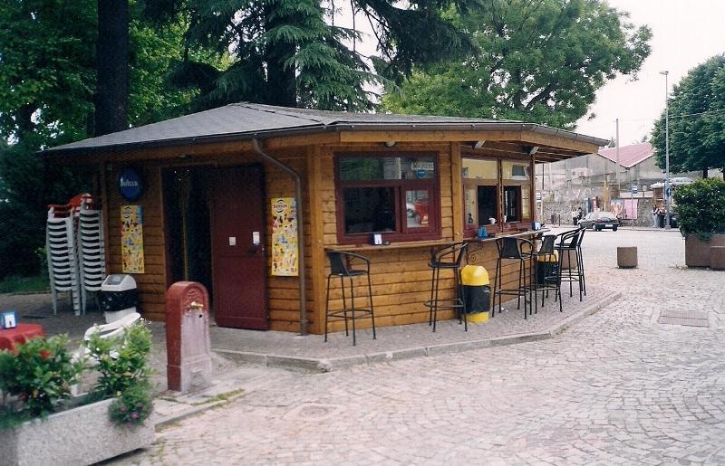 Negozi In Legno Prefabbricati : Produzione case mobili bungalow preingressi prefabbricati in legno